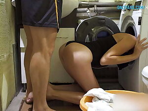 FUCKING HER ASS WHILE SHE Discover IN WASHING MACHINE - Amateur Babe Creampie 4K