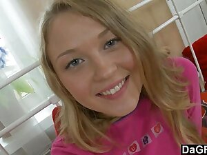 Making His Hot Russian Girlfriend Orgasm With Toys