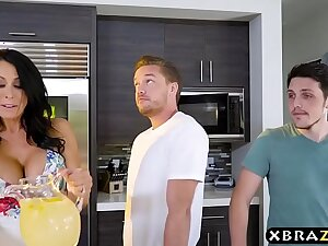Housewife on touching big boobies fucks a authoritatively y. guy